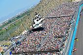 2017 Monster Energy NASCAR Cup Series<br /> Camping World 500<br /> Phoenix International Raceway, Avondale, AZ USA<br /> Sunday 19 March 2017<br /> Kyle Busch, Skittles Toyota Camry and Brad Keselowski<br /> World Copyright: Nigel Kinrade/LAT Images<br /> ref: Digital Image 17PHX1nk07414