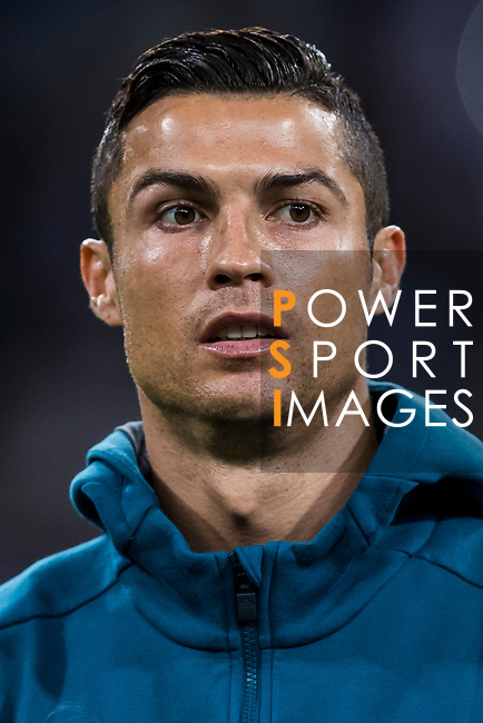 Cristiano Ronaldo of Real Madrid prior to the UEFA Champions League 2017-18 match between Real Madrid and Tottenham Hotspur FC at Estadio Santiago Bernabeu on 17 October 2017 in Madrid, Spain. Photo by Diego Gonzalez / Power Sport Images