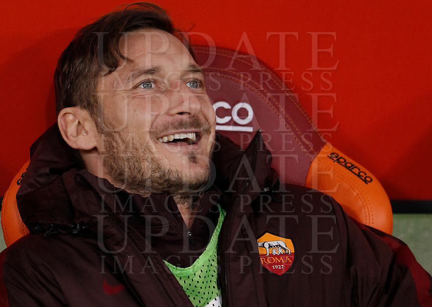 Calcio, Serie A: Roma vs Milan. Roma, stadio Olimpico, 9 gennaio 2016.<br /> Roma's Francesco Totti smiles prior to the start of the Italian Serie A football match between Roma and Milan at Rome's Olympic stadium, 9 January 2016.<br /> UPDATE IMAGES PRESS/Isabella Bonotto