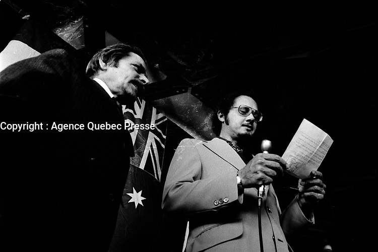 Discours  de Georges-Emile Lapalme,  juillet 1973 (date exacte inconnue).<br /> <br /> Ancien chef du PLQ dans les années 50 ;   Lapalme entreprend la rédaction d'une imposante autobiographie en trois tomes, publiés en 19696, 1970 et 19731. Il est nommé à diverses fonctions : commissaire général à Terre des hommes, président de la Société de développement de l'industrie cinématographique canadienne en 1968, juge à la cour de la citoyenneté canadienne, membre du conseil d'administration de la régie de la Place des Arts et président de la commission des biens culturels de 1972 à 1978.<br /> <br /> PHOTO : Alain Renaud<br />  - Agence Quebec Presse