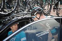 Salvatore Puccio (ITA/Sky) checks in with DS Dario Cioni before the stage<br /> <br /> stage 18: Roa - Riaza (204km)<br /> 2015 Vuelta à Espana