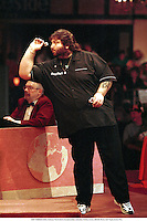 ANDY FORDHAM (ENG), Embassy World Darts Championships, Lakeside, Frimley Green, 990106. Photo: Neil Tingle/Action Plus....1999.target sports.target sports