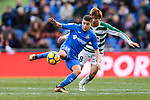 Takashi Inui of SD Eibar (R) fights for the ball with Portillo Soler of Getafe CF (L) during the La Liga 2017-18 match between Getafe CF and SD Eibar at Coliseum Alfonso Perez Stadium on 09 December 2017 in Getafe, Spain. Photo by Diego Souto / Power Sport Images
