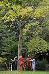 DANSES LIBRES..Conception : Cecilia Bengolea et François Chaignaud..Choregraphie : François Malkovsky (1889 - 1982)..Transmission de la choregraphie : Suzanne Bodak..Lumière : Erik Houllier..Avec Cecilia Bengolea, Suzanne Bodak, François Chaignaud, Thiago Granato, Lenio Kaklea, Mickael Phelippeau et au piano Alexandre Bodak..Cadre : Plastique Danse Flore..Lieu: Le potager du roi..Ville : Versailles..le 18/09/2011..© Laurent Paillier / photosdedanse.com..All rights reserved