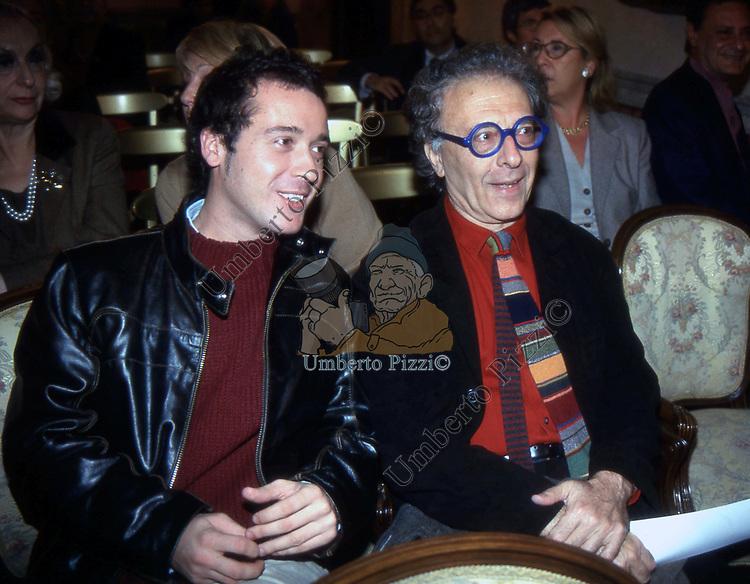 PIERLUIGI DIACO CON GIAMPIERO MUGHINI<br /> PRESENTAZIONE LIBRO PIALUISA BIANCO BANCA DI ROMA 2001