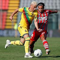 Cremona 02/10/2021 - campionato di calcio serie B / Cremonese-Ternana / photo Image Sport/Insidefoto<br /> nella foto: Cesar Faletti-Francesco Deli