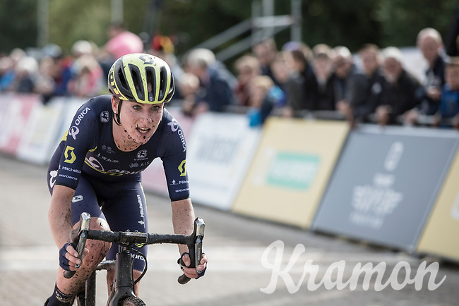 Dutch rider  and fresh road World Champion Annemiek Van Vleuten (NED/Orica Scott) switched her road bike for a cx version for the occasion.  A unique occasion. She was clear afterwards: 'it was my first and also last cx race I rode.' <br /> <br /> cx Telenet Superprestige Gieten 2017 (NED)