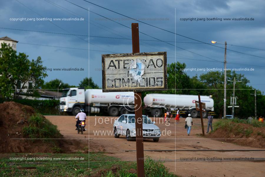 MOZAMBIQUE, Gondolo, BAGC Beira agricultural growth corridor, railway track and road between port Beira-Chimoio-Tete-Zimbabwe / MOSAMBIK, Gondolo, BAGC Beira agricultural growth corridor, Bahnlinie und Strasse zwischen Hafen Beira-Chimoio-Tete-Simbabwe