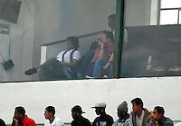 TUNJA -COLOMBIA, 24-08-2014. Eduardo Pimentel (Izq) técnico de Boyacá Chicó durante contra La Equidad durante partido por la fecha 6 de la Liga Postobón II 2014 realizado en el estadio La Independencia en Tunja./ Eduardo Pimentel (L) coach of Boyaca Chico during match against La Equidad for the 6th date of Postobon League II 2014 at La Independencia stadium in Tunja. Photo: VizzorImage/Jose Miguel Palencia/STR