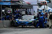 #57 Heinricher Racing w/MSR Curb-Agajanian Acura NSX GT3, GTD: Alvaro Parente, Misha Goikhberg pit stop