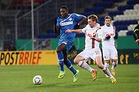 Peniel Mlapa (Hoffenheim) gegen Jan-Ingwer Callsen-Bracker (Augsburg)
