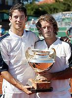 16-7-06,Scheveningen, Siemens Open, doubles final, Garcia-Lopez and Navarro(r) win the doubles final