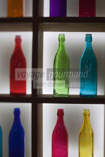 Europe/France/Aquitaine/33/Gironde/Bordeaux: Détail déco du bar de Jérémy Renard, bar à vin:  Wine & Soul