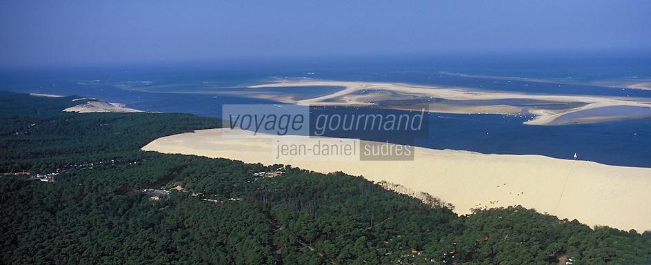 Europe/France/Aquitaine/33/Gironde/Bassin d'Arcachon: Le Banc d'Arguin et la Dune du Pilat - vue aérienne - Au premier plan la Forêt des Landes de Gascogne