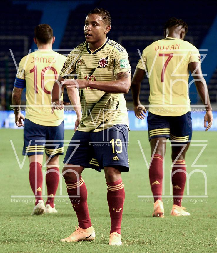 BARRANQUILLA – COLOMBIA, 09 –10-2020: Luis Muriel de Colombia (COL) celebra su segundo gol anotado a Venezuela (VEN), durante partido entre los seleccionados de Colombia (COL) y Venezuela (VEN), de la fecha 1 por la clasificatoria a la Copa Mundo FIFA Catar 2022, jugado en el estadio Metropolitano Roberto Melendez en Barranquilla. /  Luis Muriel of Colombia (COL) celebrates his second scored goal to Venezuela (VEN), during match between the teams of Colombia (COL) and Venezuela (VEN), of the 1st date for the FIFA World Cup Qatar 2022 Qualifier,  played at Metropolitan stadium Roberto Melendez in Barranquilla. / Photo: VizzorImage / Julian Medina FCF / Cont.