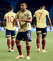 BARRANQUILLA – COLOMBIA, 09 –10-2020: Luis Muriel de Colombia (COL) celebra su segundo gol anotado a Venezuela (VEN), durante partido entre los seleccionados de Colombia (COL) y Venezuela (VEN), de la fecha 1 por la clasificatoria a la Copa Mundo FIFA Catar 2022, jugado en el estadio Metropolitano Roberto Melendez en Barranquilla. /  Luis Muriel of Colombia (COL) celebrates his second scored goal to Venezuela (VEN), during match between the teams of Colombia (COL) and Venezuela (VEN), of the 1st date for the FIFA World Cup Qatar 2022 Qualifier,  played at Metropolitan stadium Roberto Melendez in Barranquilla. / Photo: VizzorImage / Julian Medina FCF / Cont.