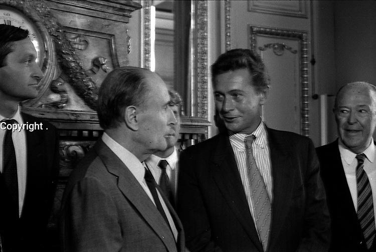 29 Septembre 1987. Vue de Dominique Baudis, François Mitterand et de Gérard Bapt lors d'une réception au Capitole.