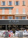 Frankreich, Provence-Alpes-Côte d'Azur, Saint-Tropez: Restaurant Le Quai an der Hafen-Promenade | France, Provence-Alpes-Côte d'Azur, Saint-Tropez: restaurant Le Quai at harbour-promenade