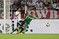 Torwart Lukas Hradecky (Finnland) gegen Kevin Volland (Deutschland Germany) - Deutschland vs. Finnland, Borussia Park, Mönchengladbach
