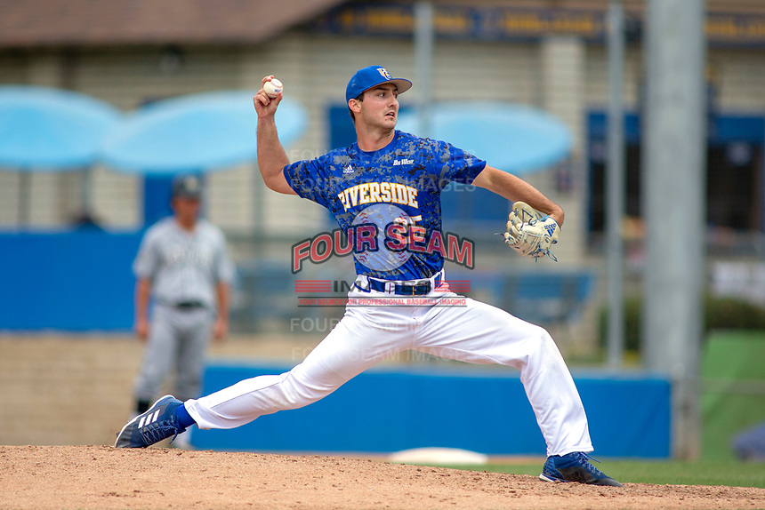 UC-Riverside Highlanders Max Compton (25) delivers a pitch to the plate against the Cal Poly San Luis Obispo Mustangs at Riverside Sports Complex on May 26, 2018 in Riverside, California. The Cal Poly SLO Mustangs defeated the UC Riverside Highlanders 6-5. (Donn Parris/Four Seam Images)