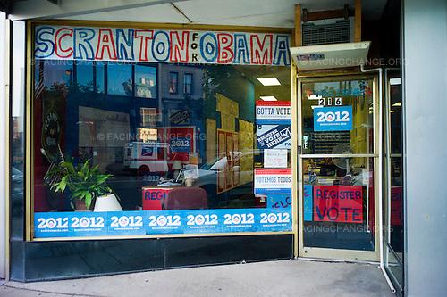 Scranton, Pennsylvania.August 2, 2012..Obama campaign office...Photograph by Alan Chin.