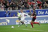 Jan Rosenthal (Hannover 96) gegen Marco Russ (Eintracht Frankfurt)