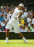 29-6-06,England, London, Wimbledon, second round match,  Nadal