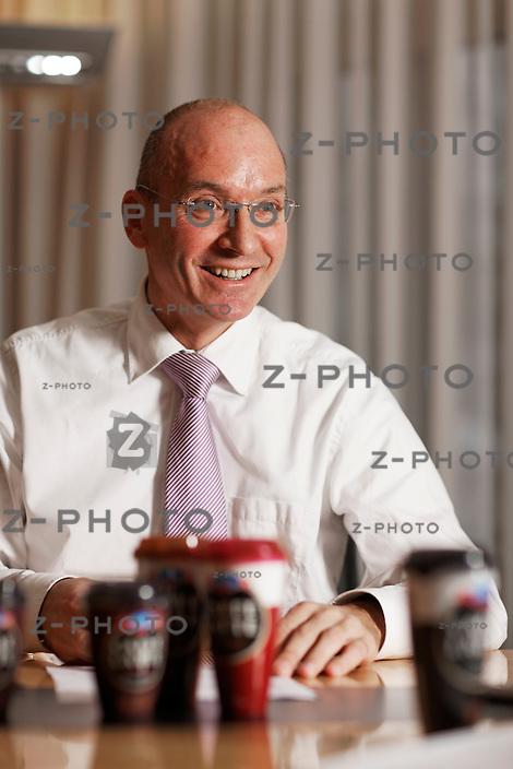 Interview mit Urs Riedener CEO der Emmi Gruppe im Hauptsitz in Luzern am 21. Dezember 2010..Copyright © Zvonimir Pisonic