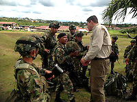 QUIBDO-CHOCO -COLOMBIA. 18-NOVIEMBRE-2014. Desde la noche del pasado domingo se reforzaron los dispositivos de seguridad en el Choc— con la llegada de tropas desde diferentes lugares del pa's. El ministro Juan Carlos Pinzon dirige personalmente las operaciones que se despliegan desde la sede de la Brigada 15 , en Quibdo. Las Fuerzas Militares siguen en operaciones en el Choco para rescatar a las personas secuestradas.   From Sunday night safety devices in Choco with the arrival of troops from different parts of the country were strengthened. Minister Juan Carlos Pinzon personally directs the operations that deploy from the headquarters of the 15th Brigade in Quibdo. The security forces continue operations in the Choc— to rescue the abductees.Photo: VizzorImage / Mauricio Orjuela / Ministerio de Defensa Nacional