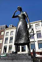 Nederland  Nijmegen  - September 2020 . Standbeeld van Mariken van Nimwegen op de Grote Markt.     Foto : ANP/ Hollandse Hoogte / Berlinda van Dam