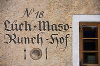 """Europe/Italie/Trentin Haut-Adige/Dolomites/Alta Badia/env de San Cassiano/Pedraces:  Auberge de Montagne   """"Maso Runch Hof"""" détail de l'enseigne"""