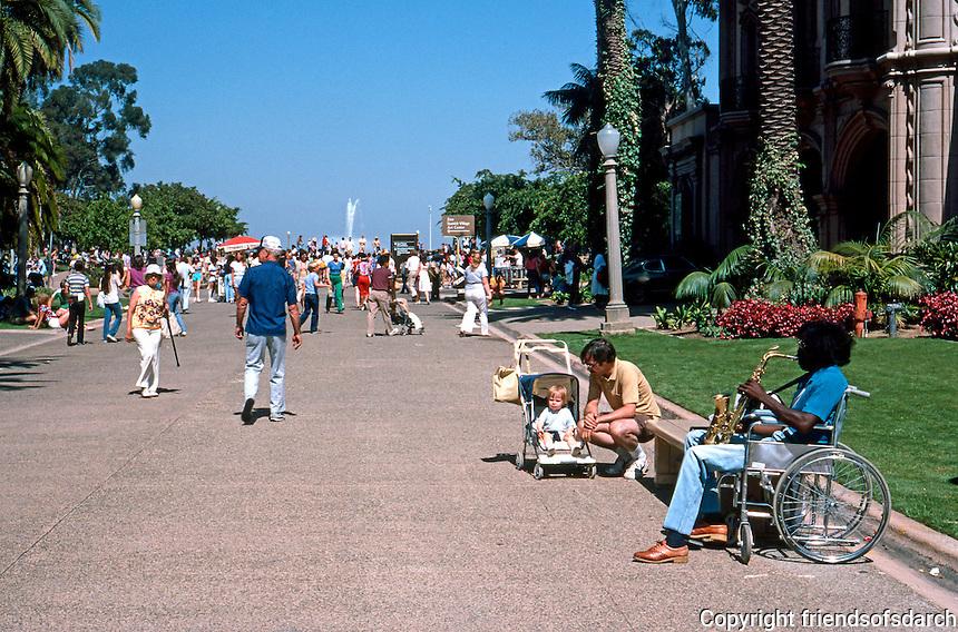 San Diego: Balboa Park Musician. (Photo 1984)