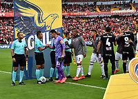 BOGOTÁ-COLOMBIA, 09-11-2019: Jugadores de Independiente Santa Fe y América de Cali, durante partido de la fecha 1 de los cuadrangulares semifinales entre Independiente Santa Fe y América de Cali, por la Liga Águila II 2019, jugado en el estadio Nemesio Camacho El Campín de la ciudad de Bogotá. / Players of Independiente Santa Fe and America de Cali, during a match of the 1 date of the semifinals quarter finals between Independiente Santa Fe and America de Cali, for the Aguila Leguaje II 2019 played at the Nemesio Camacho El Campin Stadium in Bogota city. / Photo: VizzorImage / Luis Ramírez / Staff.