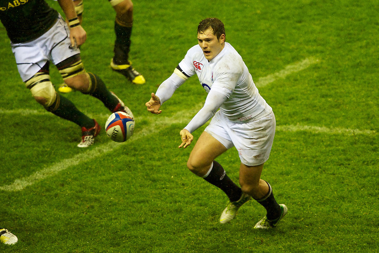 Alex Goode of England passes during the QBE Autumn International match between England and South Africa at Twickenham on Saturday 24 November 2012 (Photo by Rob Munro)