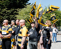 Photo: Richard Lane/Richard Lane Photography. Saracens v Wasps. Aviva Premiership Semi Final. 19/05/2018. Wasps supporters cheer the team as they arrive.