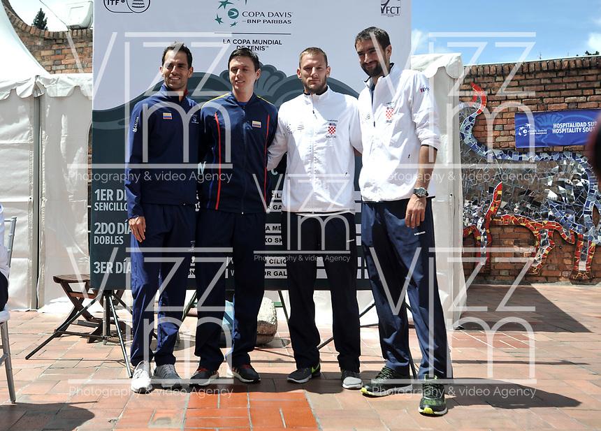 BOGOTA - COLOMBIA – 14 – 09 -2019: Santiago Giraldo (Izq.) y Alejandro Gonzalez (2 Izq.) de Colombia, Viktor Galovic (2 Der.) y Marin Cilic de Croacia, durante sorteo de la Copa Davis entre los equipos de Colombia y Croacia, partidos ascenso al Grupo Mundial de Copa Davis por BNP Paribas, en la Plaza de Toros La Santamaria en la ciudad de Bogota.  / Santiago Giraldo (L) and Alejandro Gonzalez (2 L) of Colombia and Viktor Galovic (2 R) and Marin Cilic (R) of Croacia, during Davis Cup draw between the teams of Colombia and Croatia, matches promoted to the World Group Davis Cup by BNP Paribas, at the La Santamaria Ring Bull in Bogota city. / Photo: VizzorImage / Luis Ramirez / Staff.