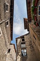 """Esino Lario, 750 abitanti, sul lago di Como, la  """"Perla delle Grigne"""""""