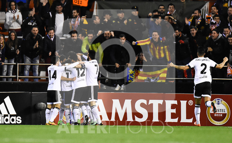 Valencia's   players celebrating a goal   during Uefa Europa League match. February 18, 2016. (ALTERPHOTOS/Javier Comos)