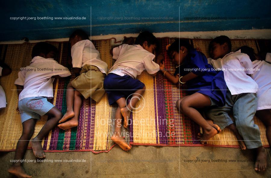 INDIA Tamil Nadu, sleeping children in child care home / INDIEN schlafende Kinder in einem Kindergarten