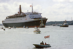 Queen Elizabeth 2 QE2 returning to Southampton water from the Falklands War as a Troop Carriers.  June 11 1982  1980S