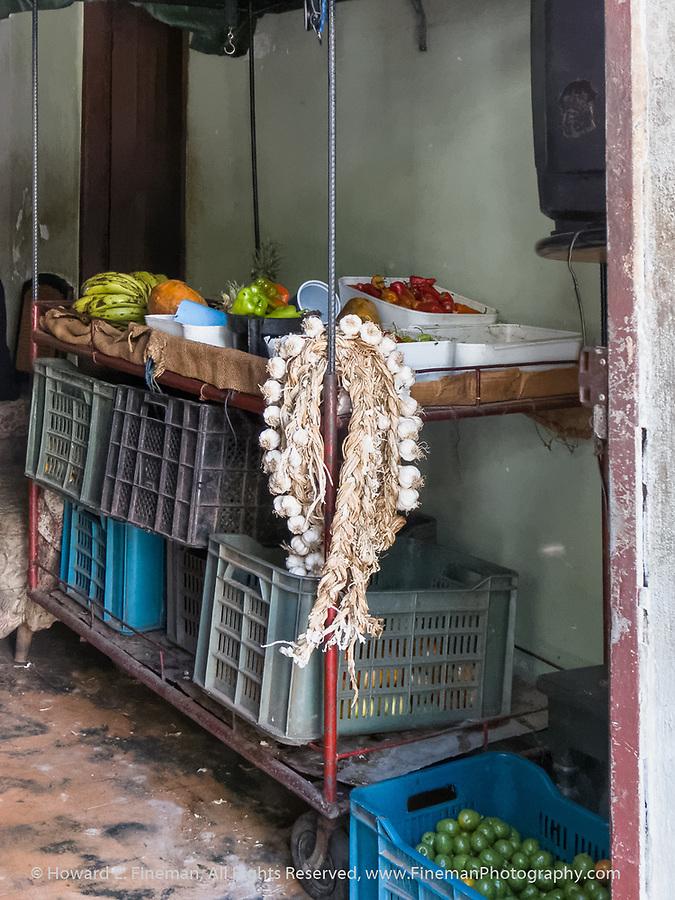 Food prep in Cienfuegos private restaurant