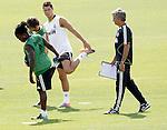 MADRID (11/08/2010).- Real Madrid training session at Valdebebas. Jose Mourinho and Cristiano Ronaldo...Photo: Cesar Cebolla / ALFAQUI