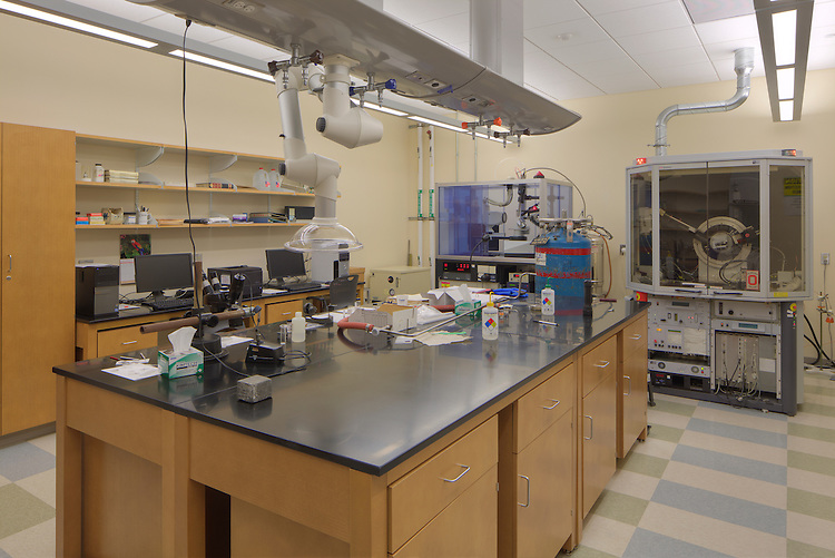 Koffolt Laboratories - CBEC Building at The Ohio State University   Pelli Clarke Pelli Architects & STANTEC
