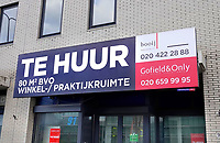 Nederland  Amsterdam   Jan. 2021.   Zuidoost. Bijlmerdreef. Winkel te huur.    Foto Berlinda van Dam / HH / ANP.