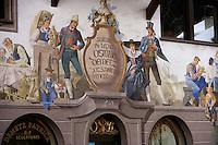 Europe/Italie/Trentin Haut-Adige/Dolomites/Val-Gardena/Santa Cristina:Détail de la boutique  de Patrick Demetz Sculpteur  sur bois du Val Gardena