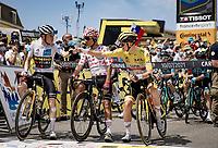 Jonas Vingegaard (DEN/Jumbo-Visma) & Tadej Pogacar (SVN/UAE-Emirates) greeting each other at start of the stage in Carcassonne <br /> <br /> Stage 14 from Carcassonne to Quillan (184km)<br /> 108th Tour de France 2021 (2.UWT)<br /> <br /> ©kramon