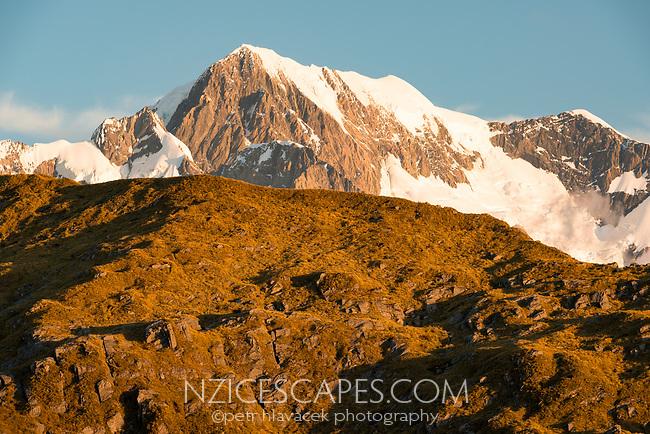 Sunset on Aoraki Mount Cook of Southern Alps, Westland Tai Poutini National Park, UNESCO World Heritage Area, South Westland, New Zealand, NZ