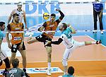 17.10.2020, Max Schmeling Halle, Berlin, GER, 1.VBL, BR VOLLEYS VS. SWD powervolleys Dueren, <br /> im Bild Timothee Carle (BR Volleys #9), Eder Carbonera (BR Volleys #16),<br /> Sebastian Gevert (Dueren #13)<br /> <br />      <br /> Foto © nordphoto / Engler