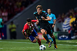 Marcos Alonso (r) of Chelsea FC fights for the ball with Angel Correa of Atletico de Madrid during the UEFA Champions League 2017-18 match between Atletico de Madrid and Chelsea FC at the Wanda Metropolitano on 27 September 2017, in Madrid, Spain. Photo by Diego Gonzalez / Power Sport Images