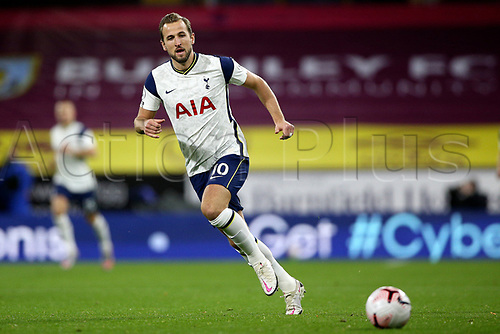 26th October 2020, Turf Moor, Burnley UK; EPL Premier League football, Burnley v Tottenham Hotspur; Tottenham Hotspur forward Harry Kane (10) chases the through ball
